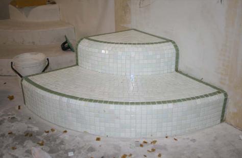 Betegelen de ridder zelfstandige betegelaar terrassen badkamers vloeren chappe - Donker mozaieken badkamer ...
